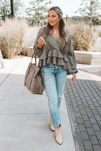 FRILL IN LOVE TOP - OLIVE