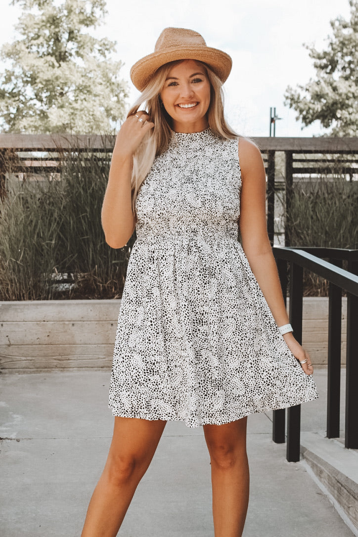 CATCH SOME RAYS DRESS - WHITE