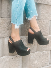 THE BELLA PLATFORM HEEL