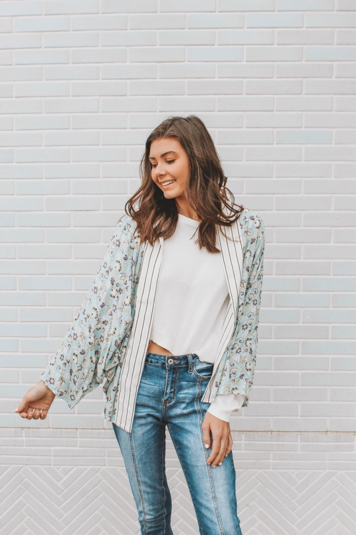 EASY LIKE SUMMER DAYS KIMONO