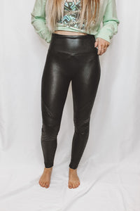 SPANX QUILTED FAUX LEATHER LEGGINGS - BLACK