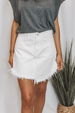 WE THE FREE - WHITE CUT OFF SHORTS