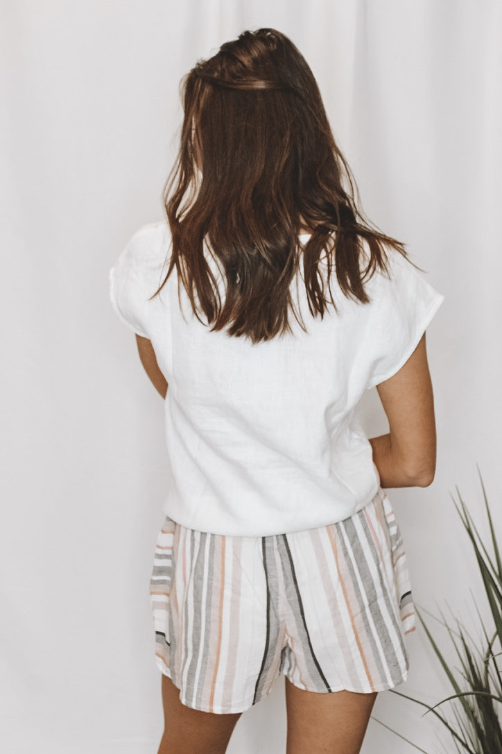 WHITE OUT TIE TOP