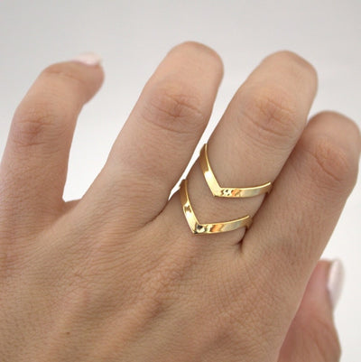 Double Lines V Chevron Rings