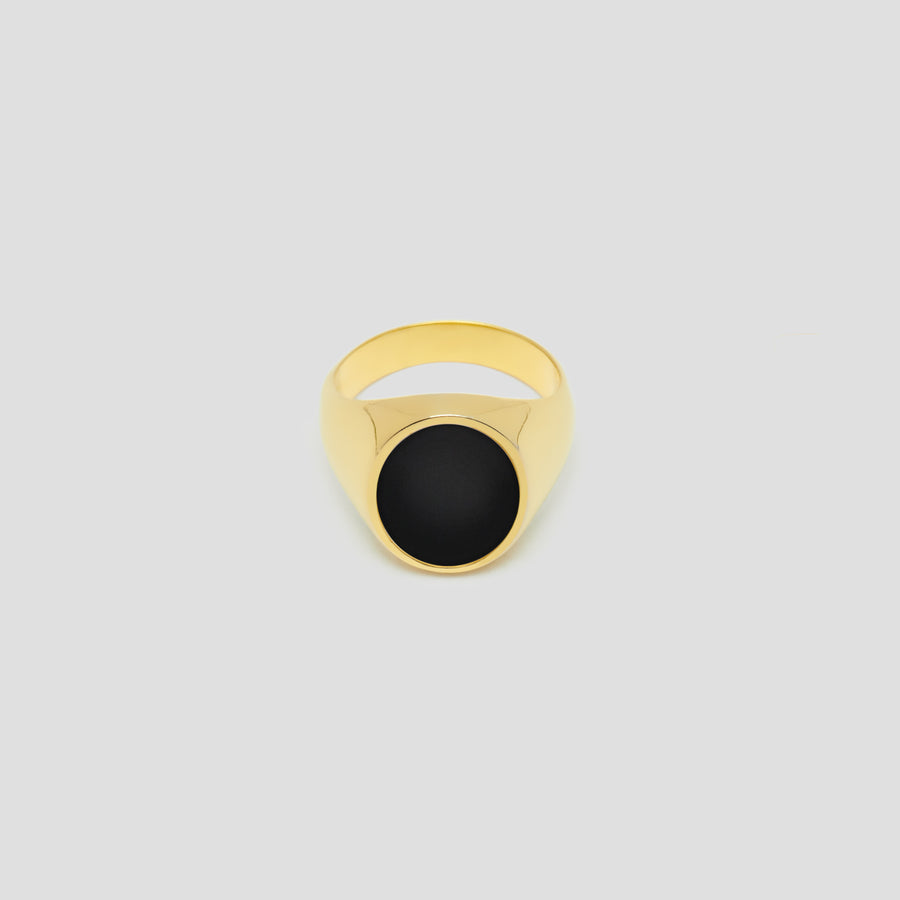 Oval in 14k Yellow Gold with Onyx