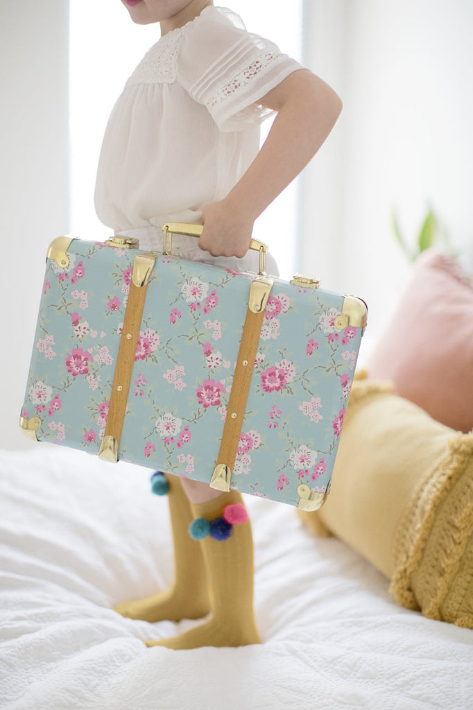 Alimrose Vintage Style Carry Case - Aqua Cottage Rose - Petit Luxe Bebe