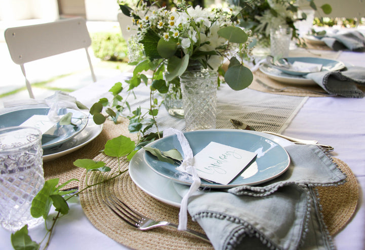 patio party | how to create an easy, organic outdoor tablescape