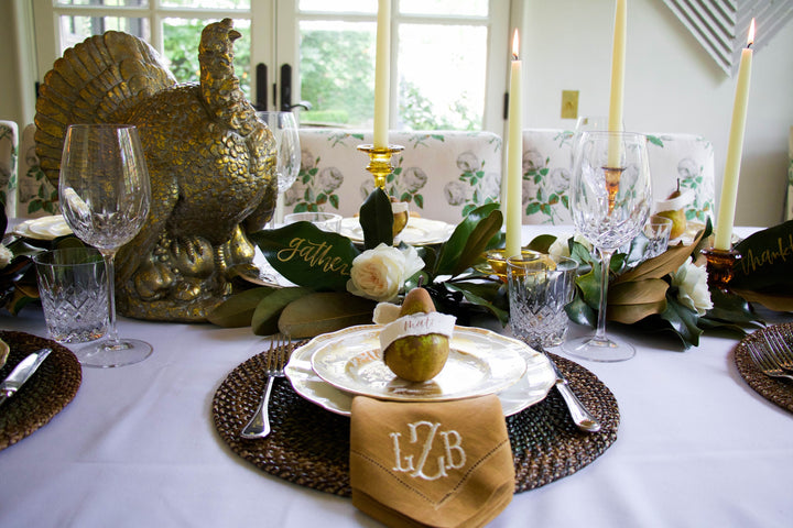 Natural, traditional, vintage Thanksgiving table + my hosting plans