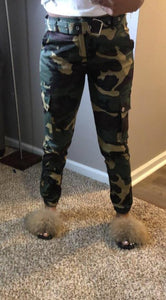 womens dark green military camouflage Army ankle pants outfit fall wardrobe with belt