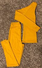 Load image into Gallery viewer, womens Yellow fitted workout active joggers boutique 2 piece