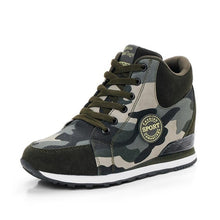 Load image into Gallery viewer, Women sneakers canvas camouflage platform sneakers