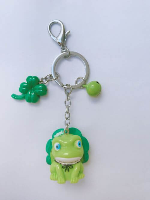 Four leaf Clover Frog with Bell Psydro9771b