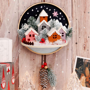 Christmas Theme Felt Circle Wall Hanging Ornament Kit DIY Needlework 30X18cm Felt Door Hanging For Room Decor Felt DIY Package