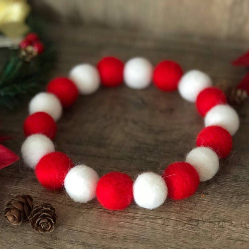 CANDY CANE POMPOM NECKLACE