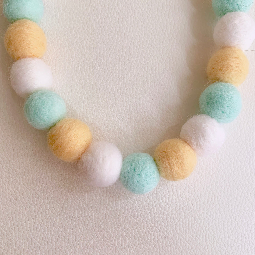 COTTON CANDY POMPOM NECKLACE - SUMMER LEMONADE