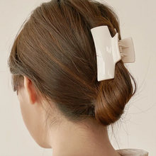 Load image into Gallery viewer, Glossy Girl Hair Clip