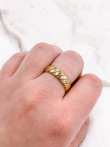 Relic Twist Ring