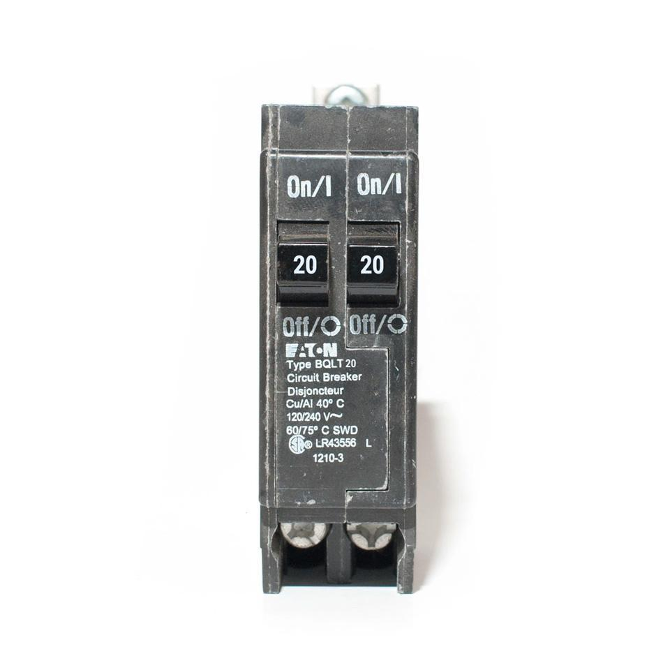 BQLT20 - Commander Tandem 20 Amp Bolt-On Circuit Breaker