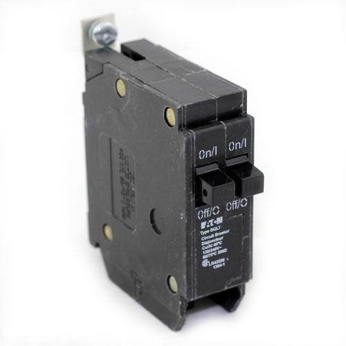BQLT20 - Commander Twin 20 Amp Circuit Breaker