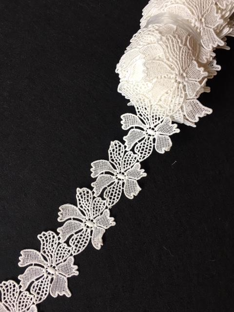 Lace Trim 23 - Filigree Flowers White [/m]- AU - B Unique Millinery