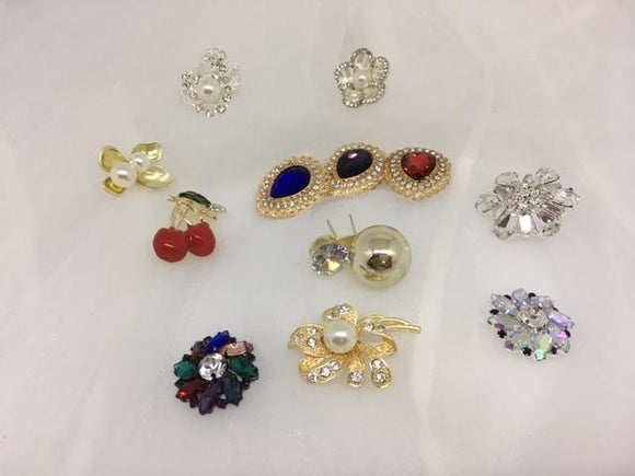 Medium Brooch Range - AU