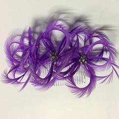 Biot Feathers on Comb (YX12126) - AU - B Unique Millinery