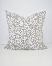 Load image into Gallery viewer, Abstract Print Washable Pillow Cover