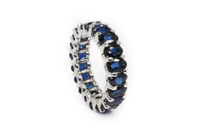 18kt White Gold and Blue Sapphires Eternity Ring