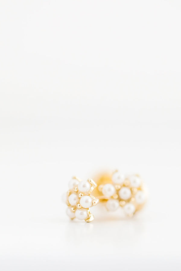 14kt Yellow Gold Little Pearls Flower