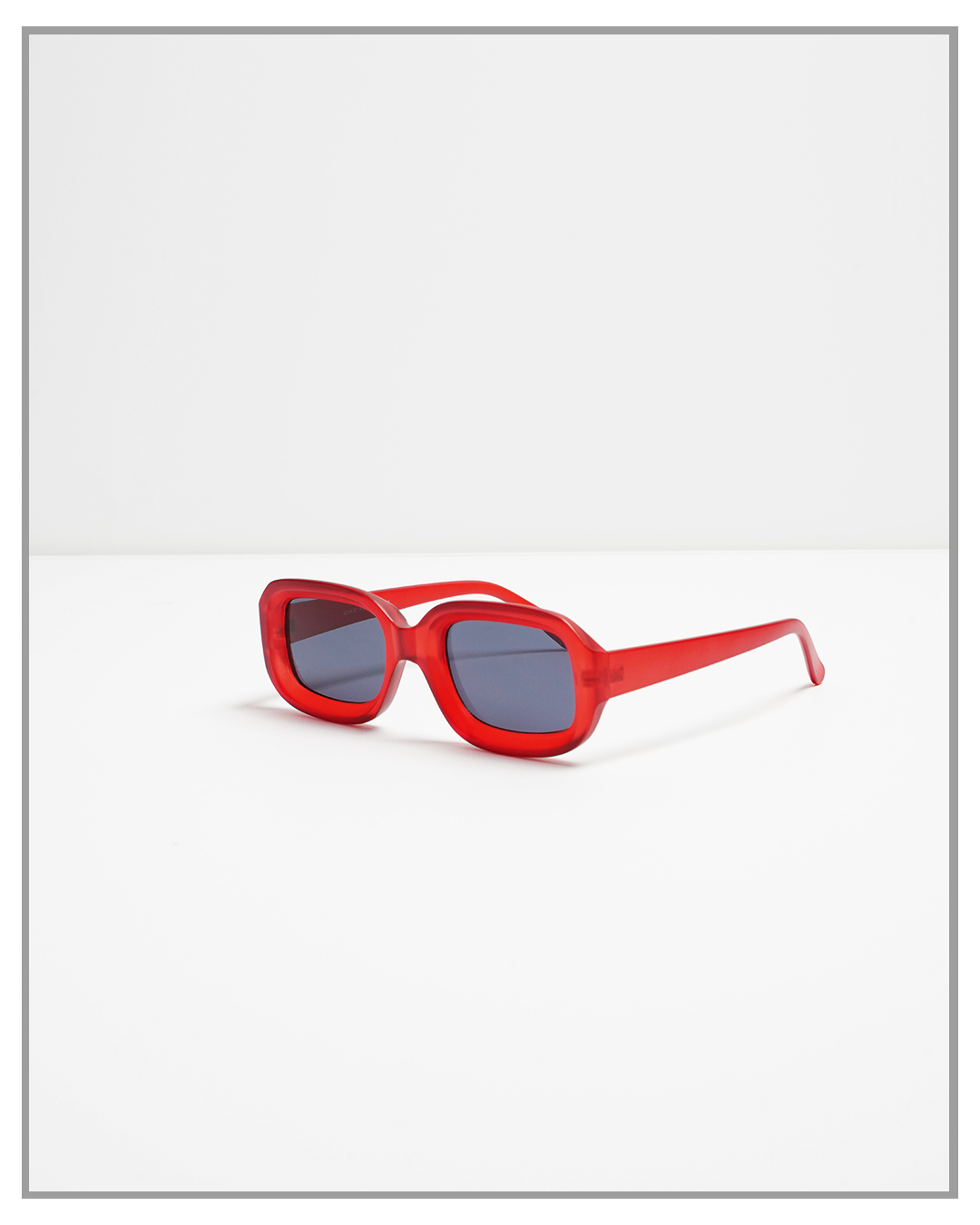 Charli Retro Red Sunglasses - truthBlack