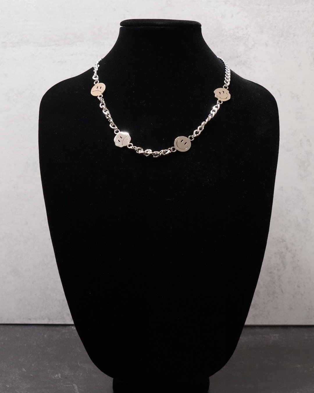 Bipolar | Necklace - Silver - truthBlack
