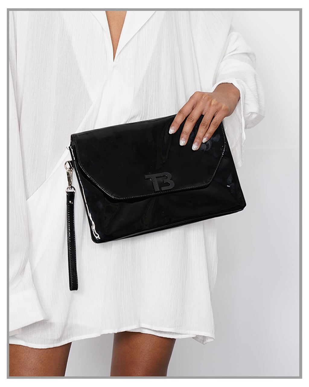 Logo Patent Leather Envelope Bag ( Sample Sale ) - truthBlack