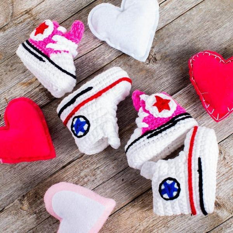 adorable-tiny-knit-sneakers-for-babies-Gift-Feed
