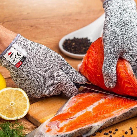Food grade-cut-resistant-gloves-gift-feed