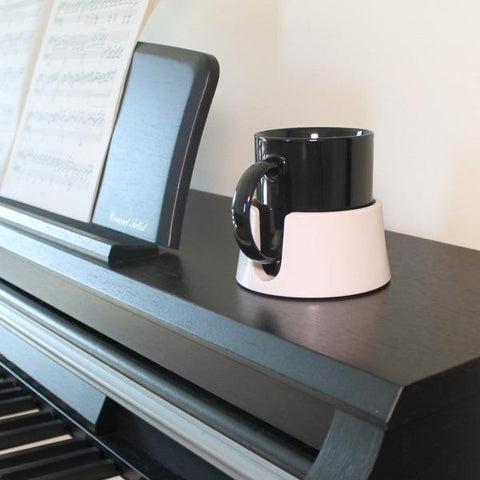 The-ultimate-anti-spill-cup-holder-drink-coaster-home-office