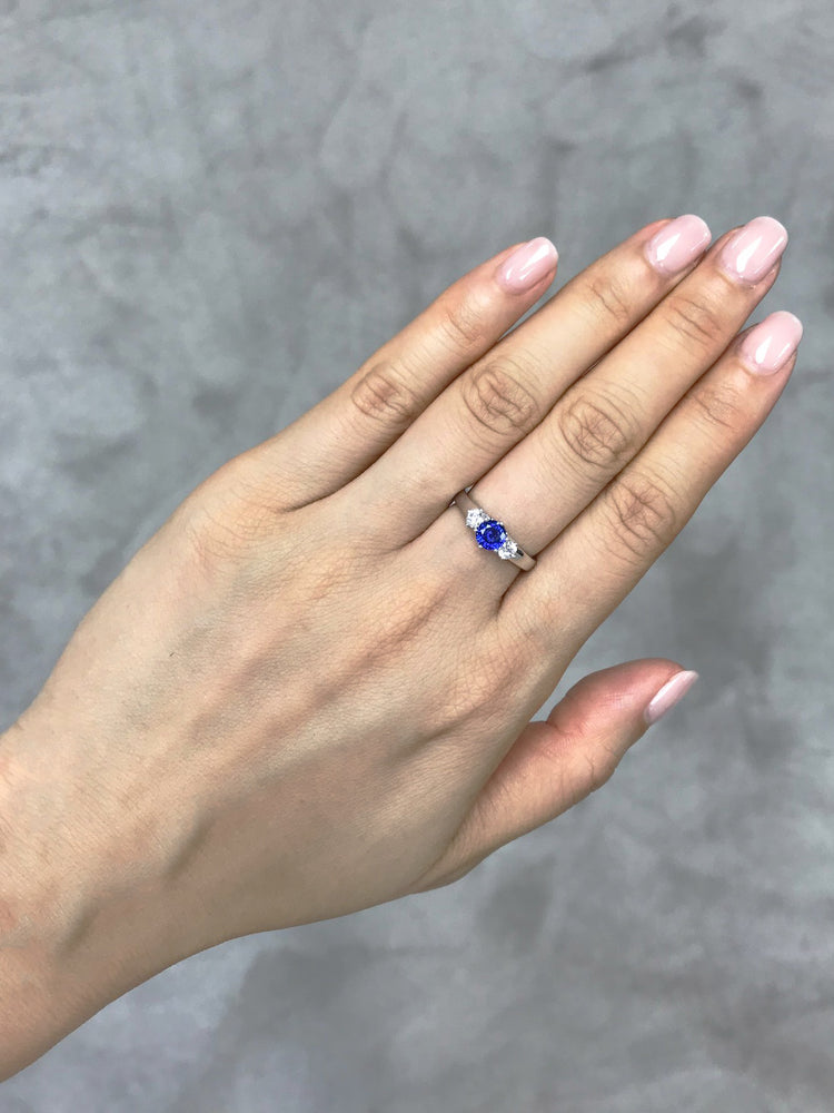 Blue Sapphire & White Sapphire Ring - HN JEWELRY