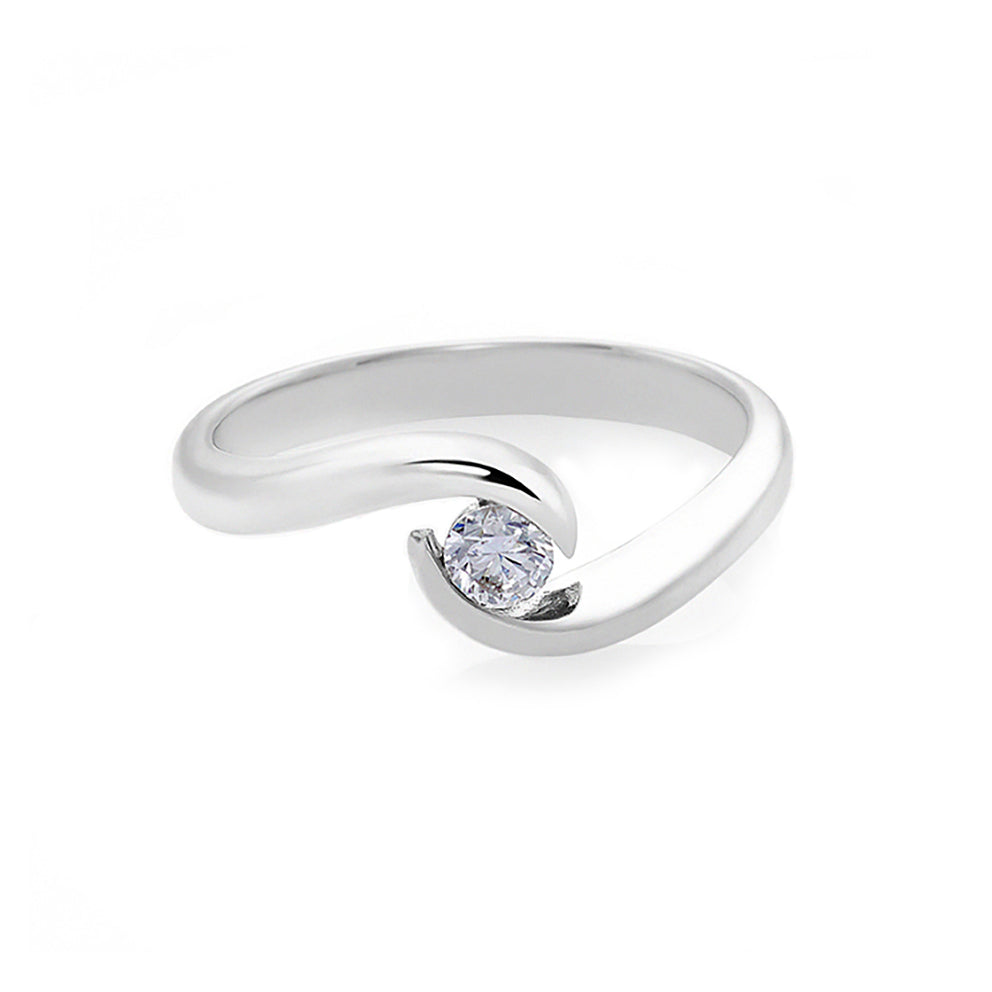 0.10ct F/VS2 Ideal Cut Solitaire Diamond Twist Ring