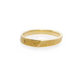 Hand Carved Men's Wedding Ring in 18K Yellow Gold - HN JEWELRY