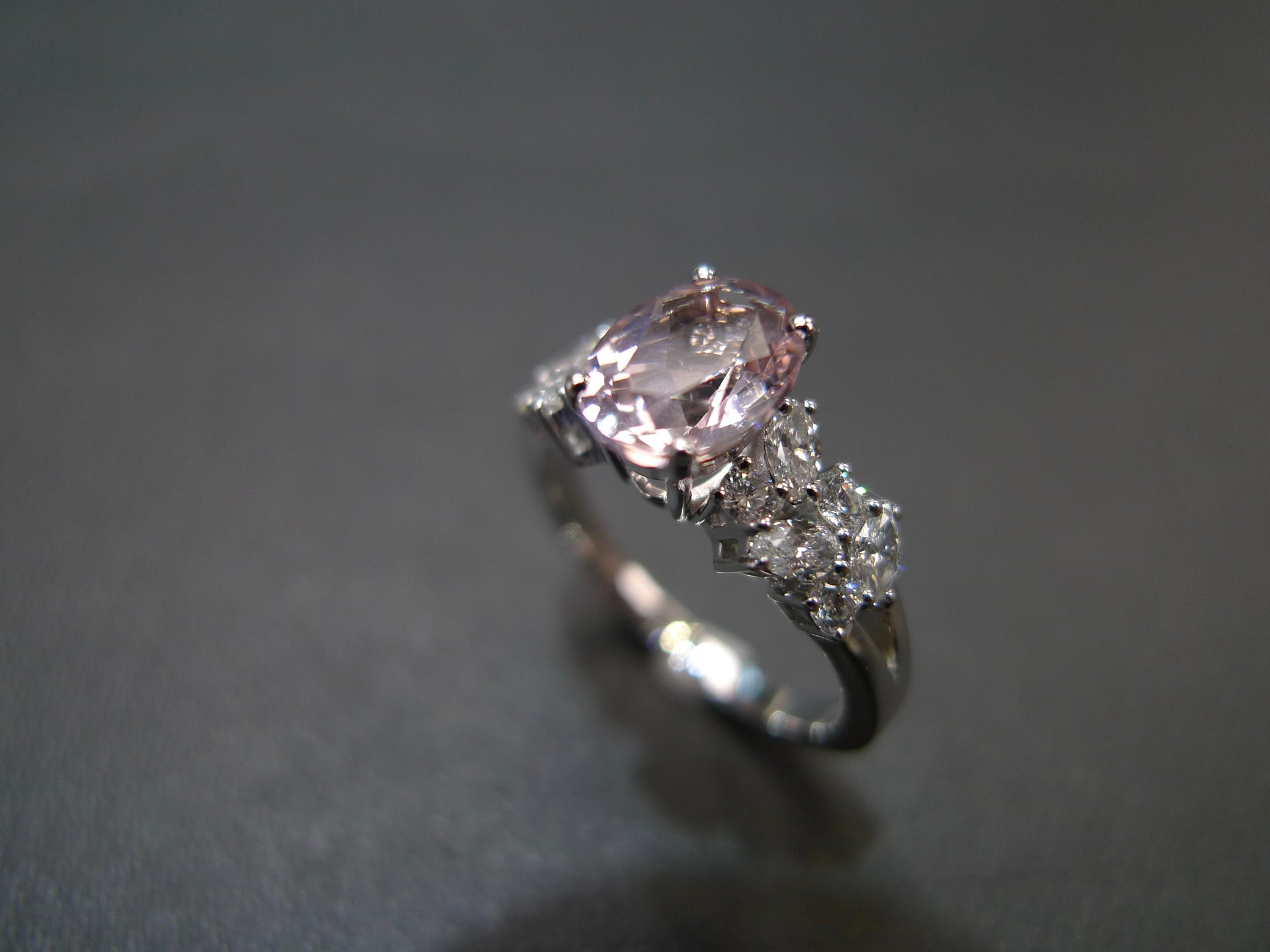 Oval_Champagne_Morganite_and_marquise_diamond_ring_white_gold