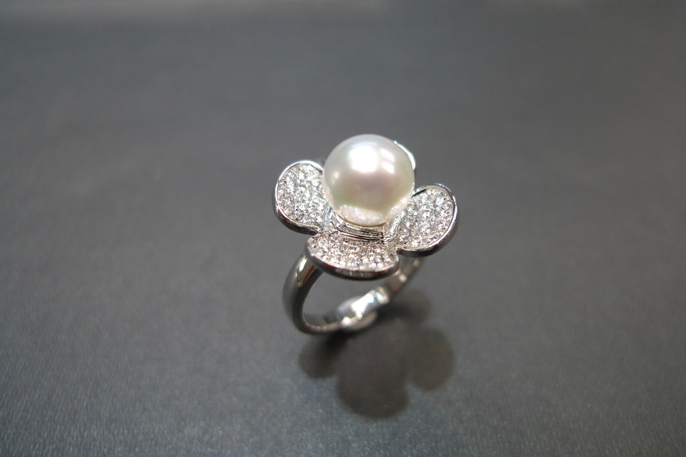 White Pearl & Diamond Ring in White Gold