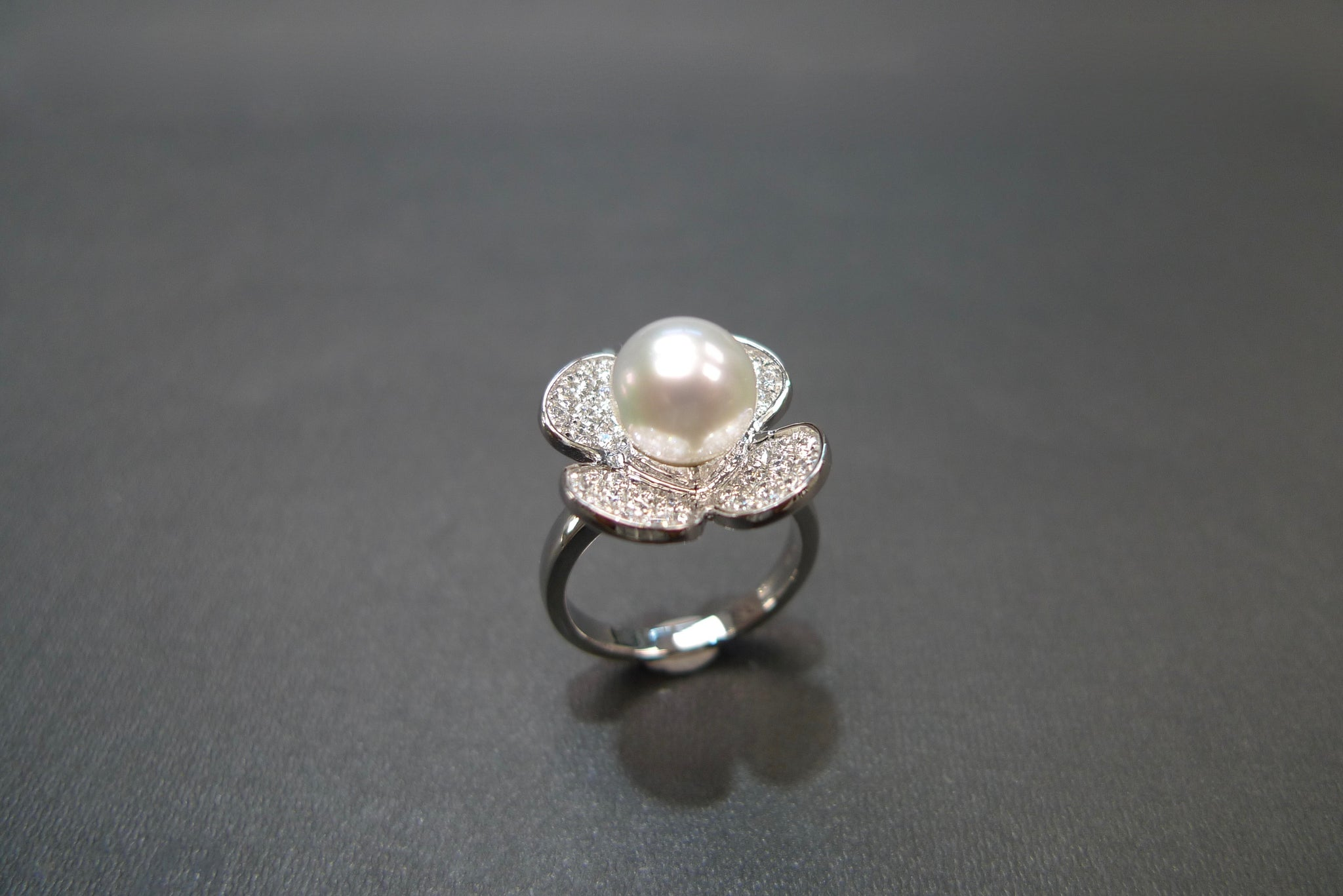White Pearl & Diamond Floral Ring in 18K White Gold - HN JEWELRY