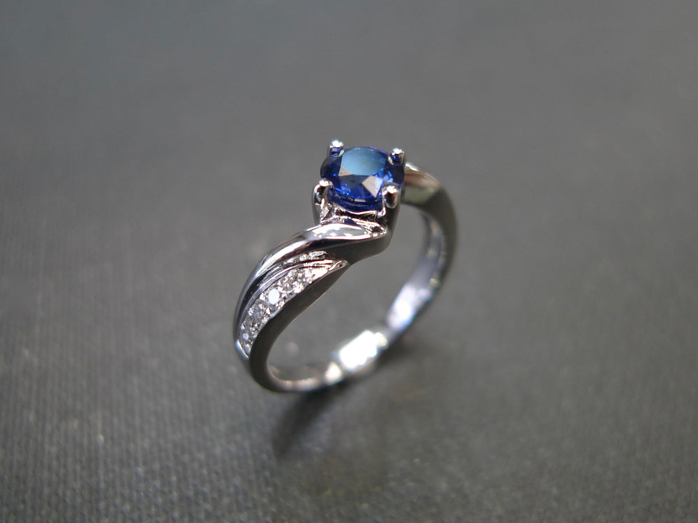 Vintage_Style_Blue_Sapphire_Diamond_Tension_Ring