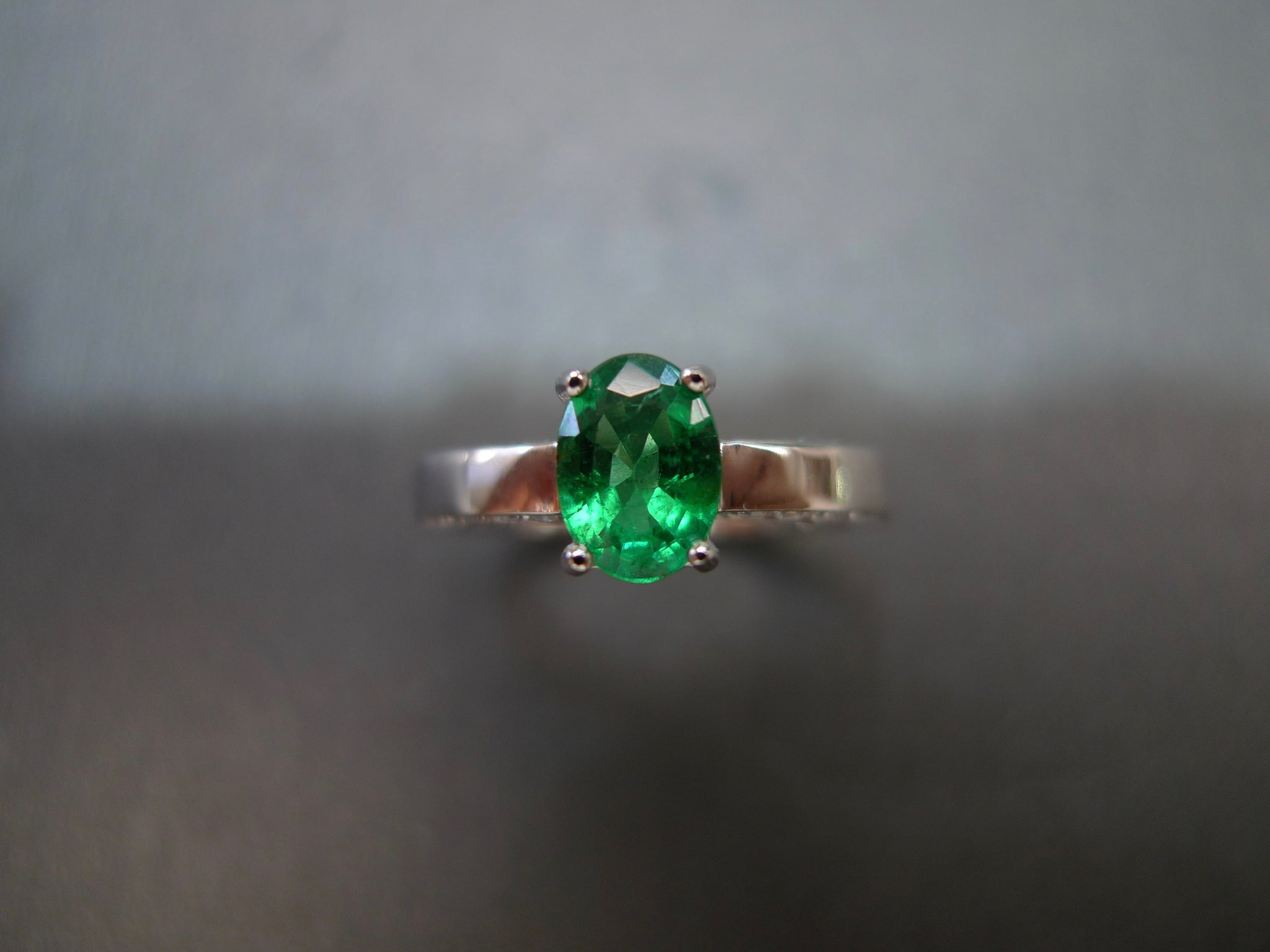 Oval Shape Emerald and Diamond Ring in 18K White Gold - HN JEWELRY