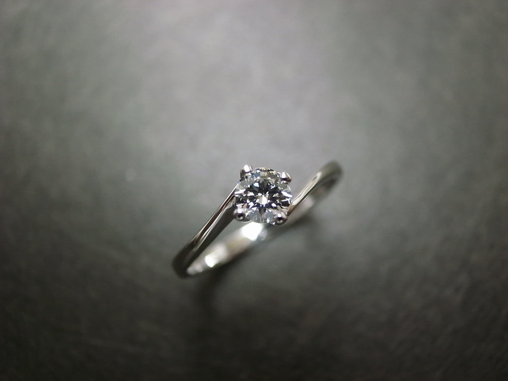 0.25ct_solitaire_diamond_engagement_ring_white_gold