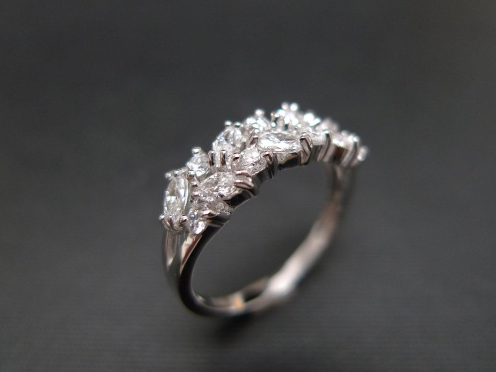 marquise_diamond_wedding_ring_white_gold