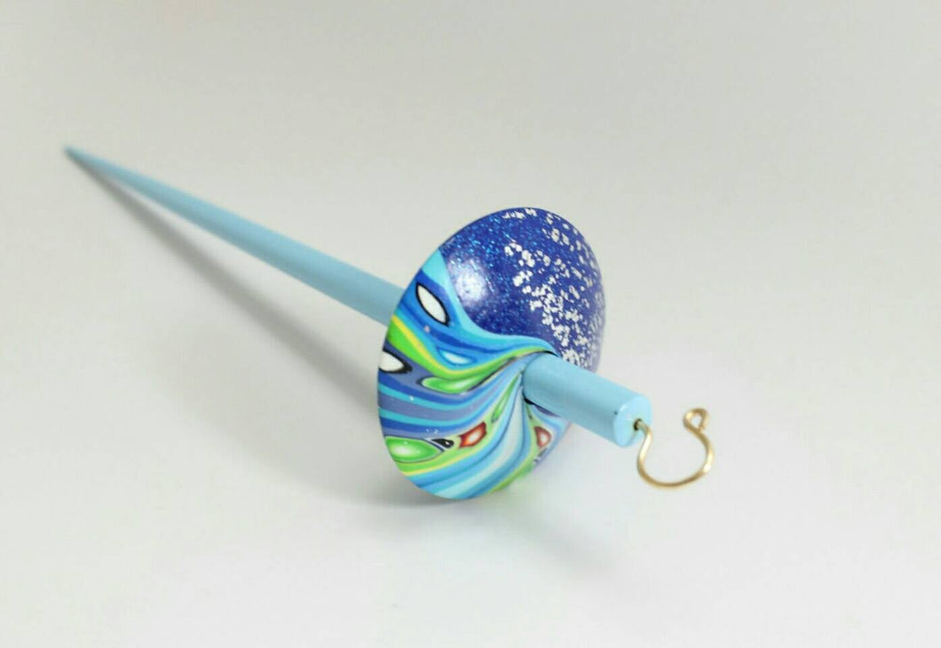 Twister drop spindle - pastel blue shaft