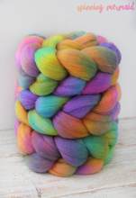 "Load image into Gallery viewer, ""Holo"" Roving - Fine Merino"
