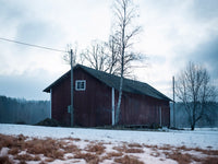 Poster: The empty barn, by Susanne Snaar