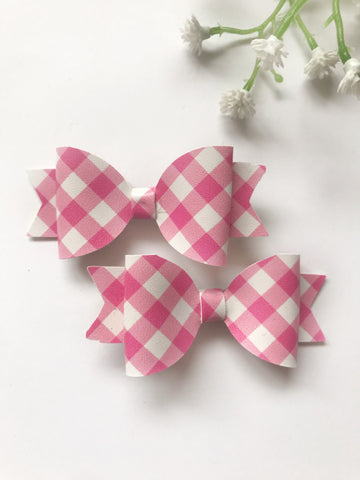 Pink Checkered Piggy Clips