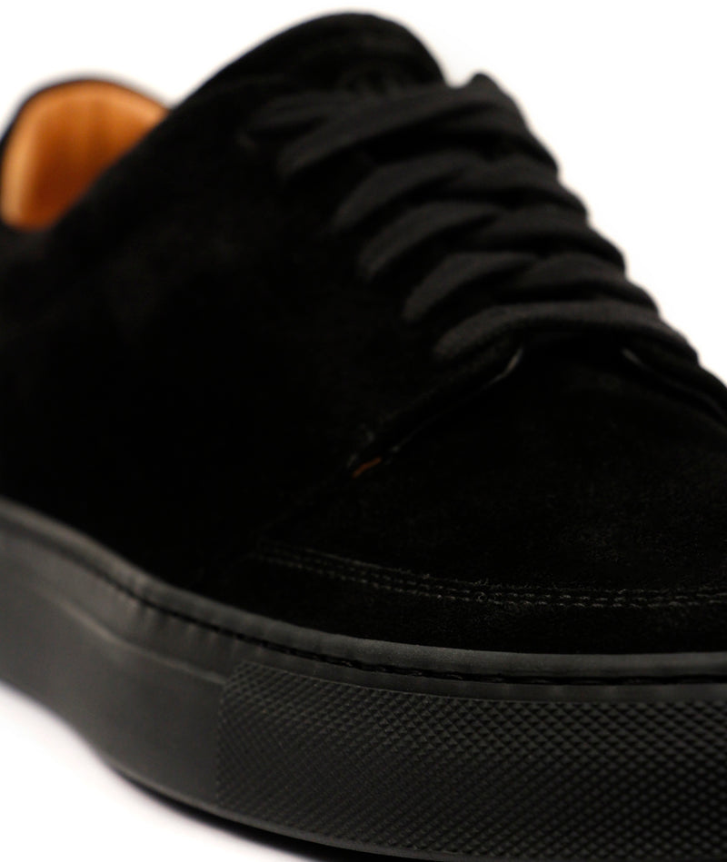 Saviour Suede Black